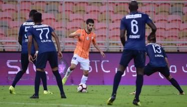 بوصوفة يخوض أول مباراة مع الشباب السعودي