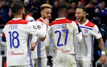 لاعبو  ليون الفرنسي يتعرضون للسرقة أثناء مواجهتهم للبارصا