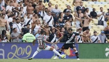إصابة 31 مشجعاً في ملعب ماراكانا التاريخي