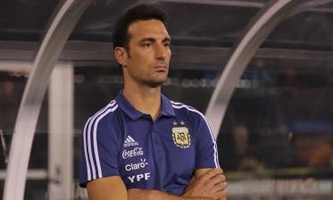 مدرب الأرجنتين يتحدث عن مشاركة ميسي أمام المغرب وفنزويلا