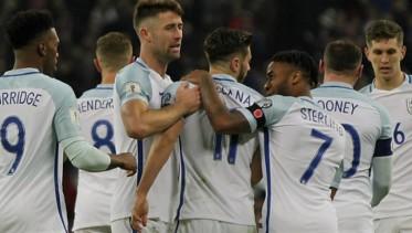 لاعبو كرة القدم في إنجلترا يقاطعون وسائل التواصل