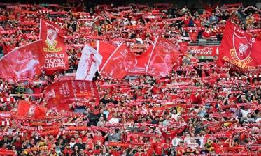 جمهور ليفربول يساند اليونايتد أمام السيتي