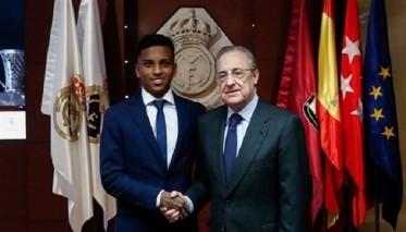 رودريغو يوقع عقد انضمامه للريال