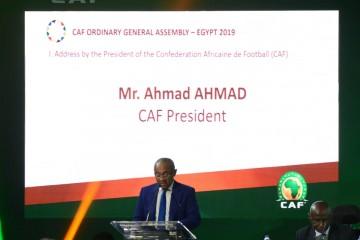 رئيس الكاف: إفريقيا تحتاج لبرنامج سريع للتطوير