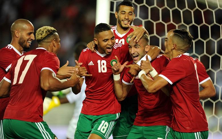 المحترفون المغاربة.. تألق مع الفرق وتواضع مع المنتخب