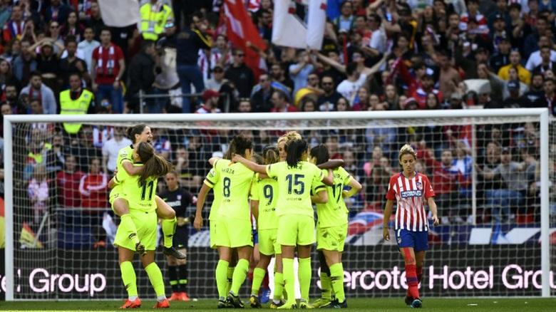 لاعبات إسبانيا في إضراب مفتوح