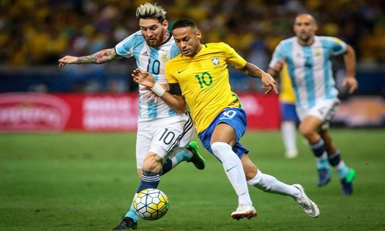 تحديد موعد ومكان مباراة الأرجنتين والبرازيل