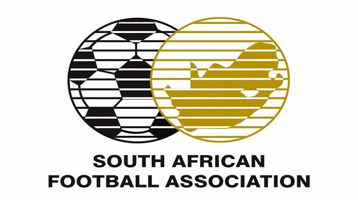 إيقاف لاعب جنوب إفريقي 6 أشهر بسبب دفع الحكم