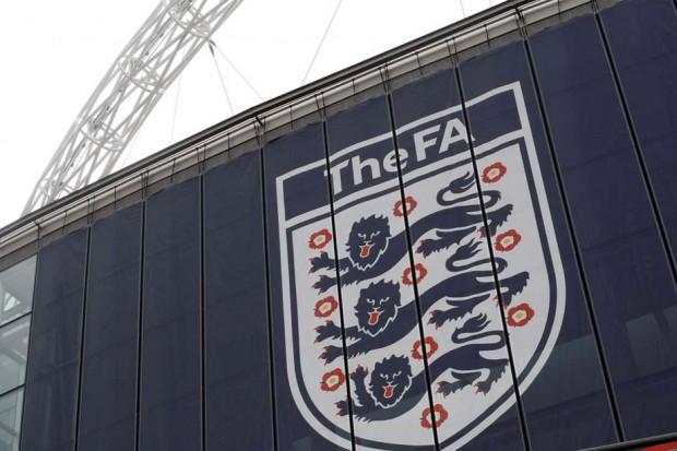 الاتحاد الإنجليزي يعاقب لاعبا من المان سيتي