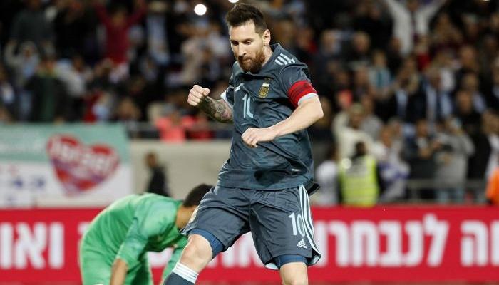 ميسي ينقذ الأرجنتين من الهزيمة أمام الأوروغواي