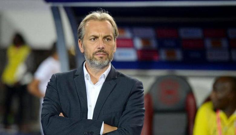 هل تعاقد الوداد مع المدرب الفرنسي دو سابر؟