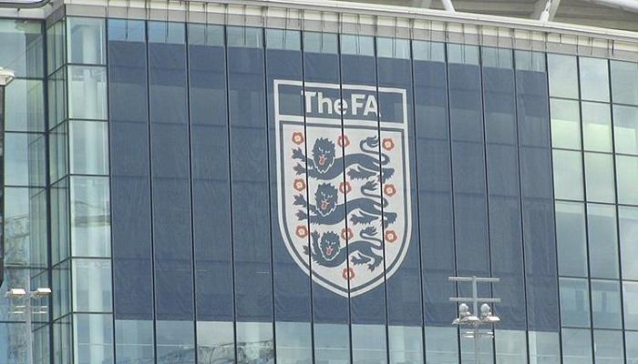 الاتحاد الإنجليزي يعاقب المان يونايتد