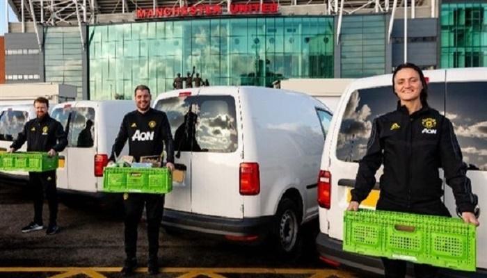 مانشستر يونايتد يتبرع بمواد طبية وسيارات