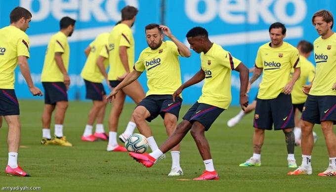 برشلونة يتجه إلى خفض جديد لرواتب لاعبيه