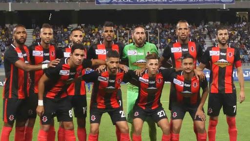 لاعبو اتحاد سيدي قاسم يعلقون الإضراب