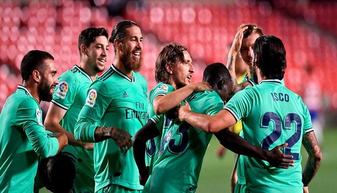 الريال  يقترب من حسم لقب الدوري الإسباني