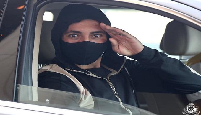 أمرابط يلتحق بالنصر السعودي