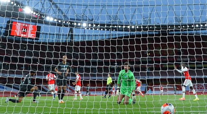 أرسنال يهزم بطل إنجلترا
