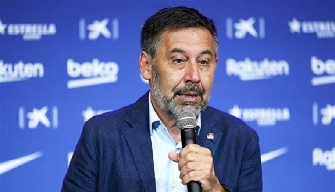 رئيس برشلونة يتحدى: لا أحد يفكر في الاستقالة
