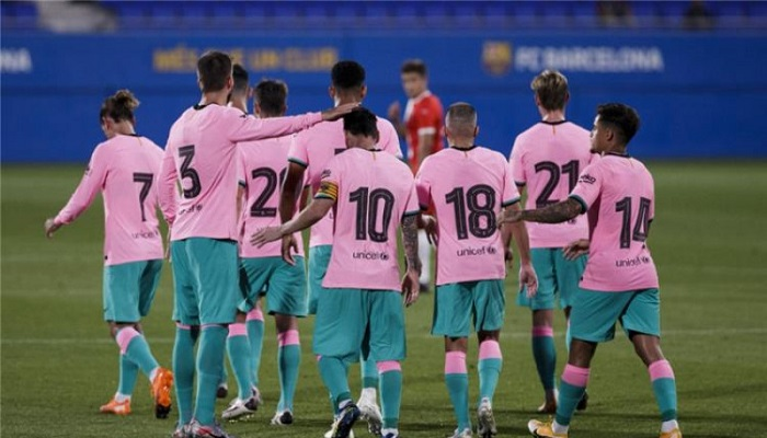لاعبو البارصا يرفضون الاجتماع مع بارتوميو