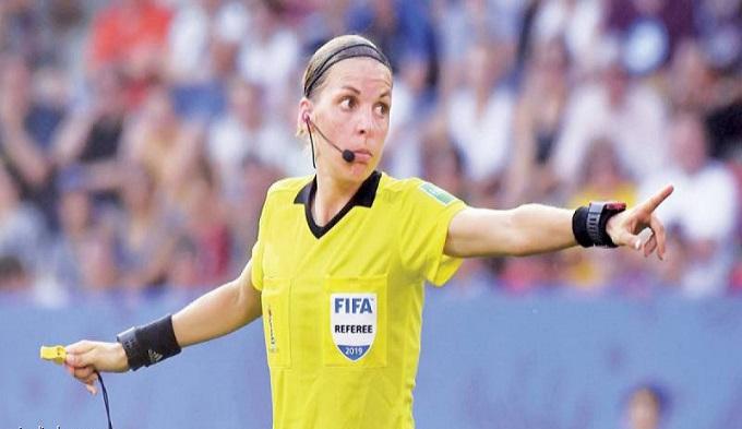 فرابار.. أول سيدة تدير مباراة في دوري الأبطال