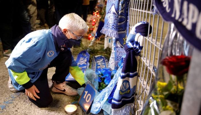 مطالب بإطلاق اسم مارادونا على ملعب نابولي