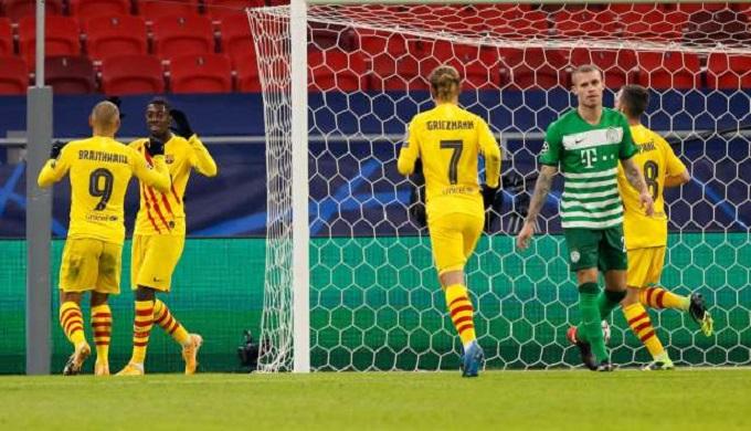 برشلونة يهزم فرينكفاروزي المجري بثلاثية نظيفة