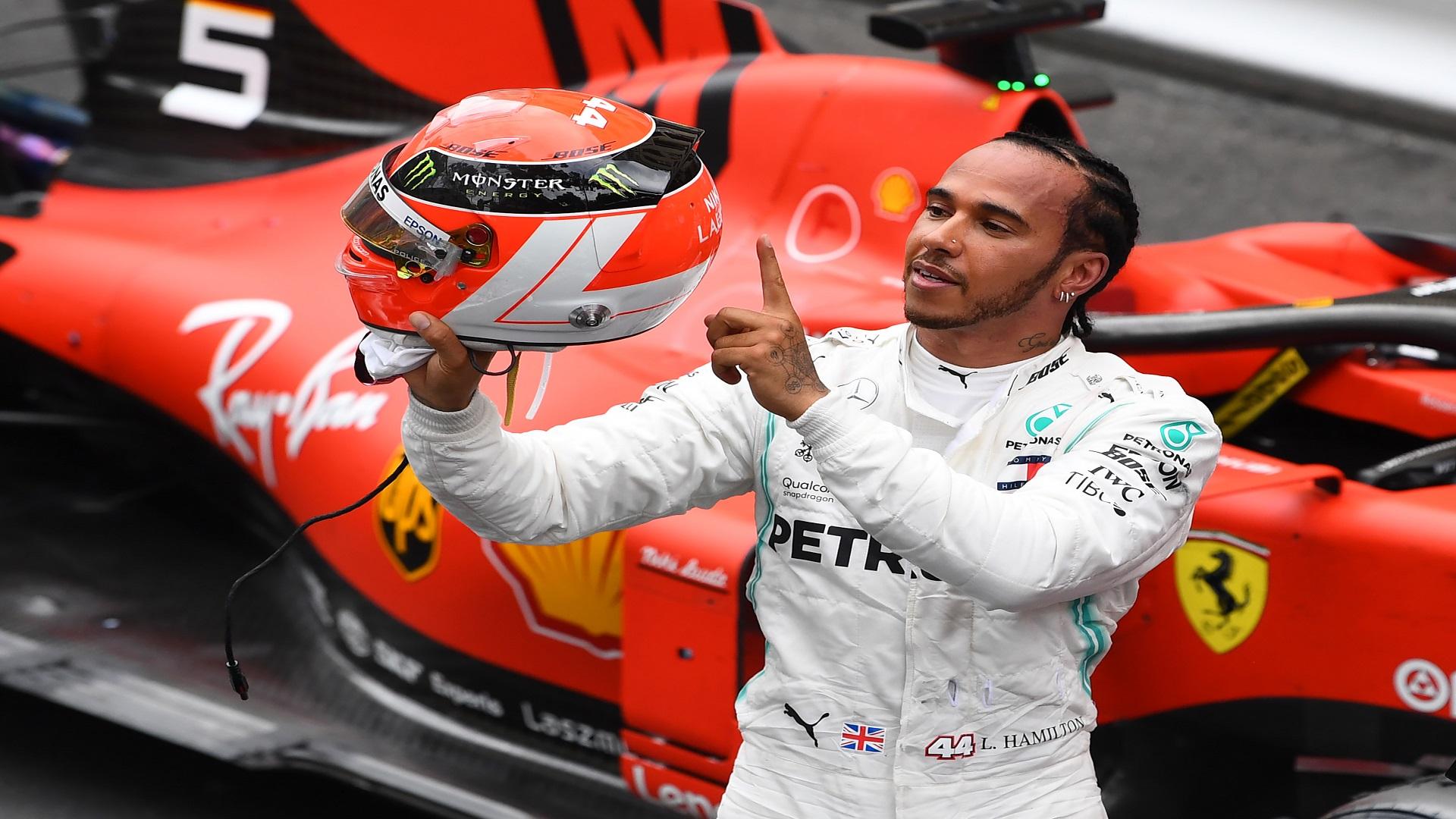 """بطل العالم لسباقات الفورمولا """"وان"""" مصاب بـ """"كورونا"""""""