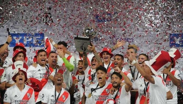 ريفر بلايت يتوج بلقب كأس السوبر الأرجنتينية