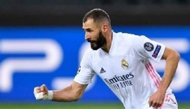 ريال مدريد يتفق مع بنزيمة على تمديد عقده