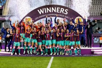المغربية الوهابي تتوج بلقب دوري أبطال أوروبا للسيدات