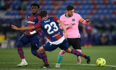برشلونة يتعادل مع ليفانتي في ضربة لآماله في اللقب