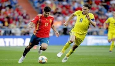 إسبانيا تواجه السويد في لقاء من العيار الثقيل
