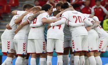 الدنمارك تبلغ دور ثمن نهائي كأس أوروبا