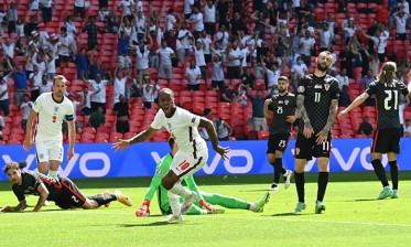 ستيرلينغ يقود إنجلترا للفوز على كرواتيا