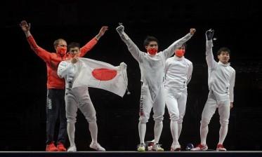 ذهبية فرق الرجال في المبارزة تذهب لليابان