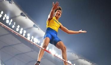 السويدي دوبلانتيس يفوز بذهبية القفز بالزانة