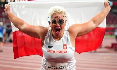 فلودارتشيك أول امرأة في التاريخ تفوز بثلاث ميداليات ذهبية في منافسة واحدة