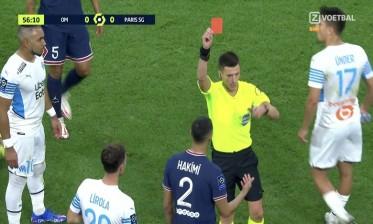 حكيمي يتلقى أول بطاقة حمراء في مساره الكروي