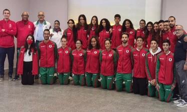 المنتخب المغربي للسباحة يسرق الأضواء بالبطولة العربية