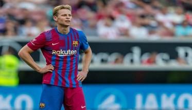 برشلونة يعلن إصابة فرانكي دي يونغ
