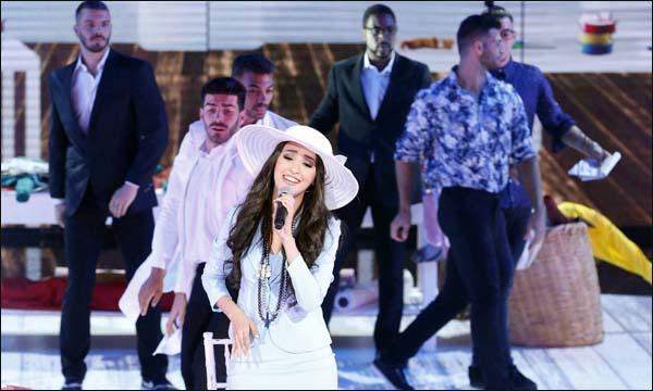 المغربية هند زيادي في نهائي 'The X Factor'