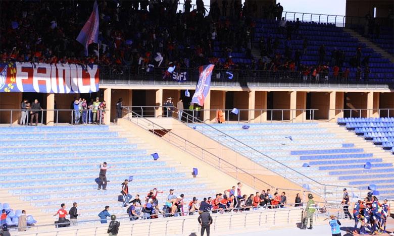 تأجيل محاكمة 14 من مناصري أولمبيك آسفي أثاروا الشغب بالملعب الكبير لمراكش
