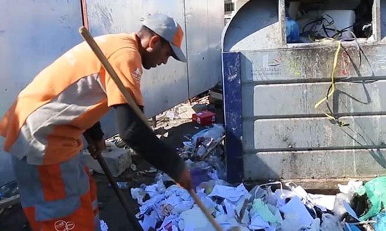 4 آلاف عامل لجمع 16 ألف طن من نفايات العيد بالبيضاء
