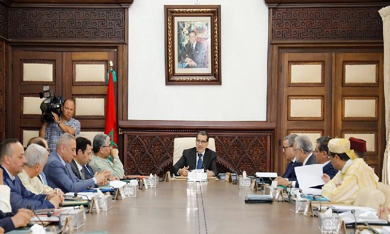 مجلس الحكومة يصادق على مشروعي مرسومي إحداث وكالة التجهيزات العامة وتعويضات أعضاء مجلس هيئة ضبط الكهرباء