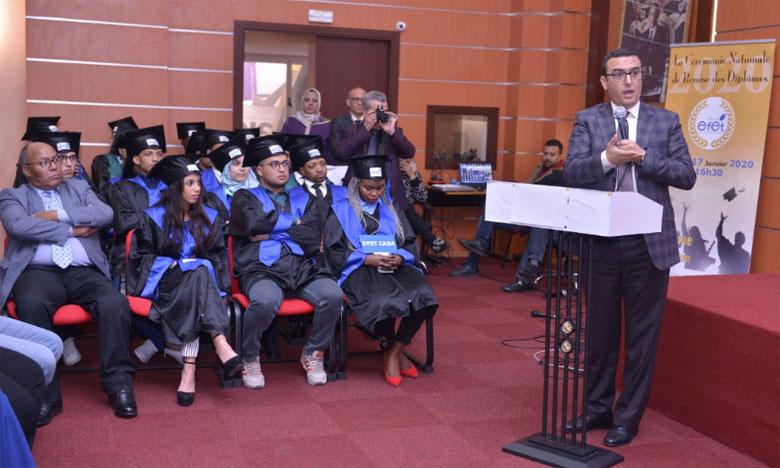 وزير الشغل والإدماج المهني يدعو الشباب إلى التوجه نحو التشغيل الذاتي