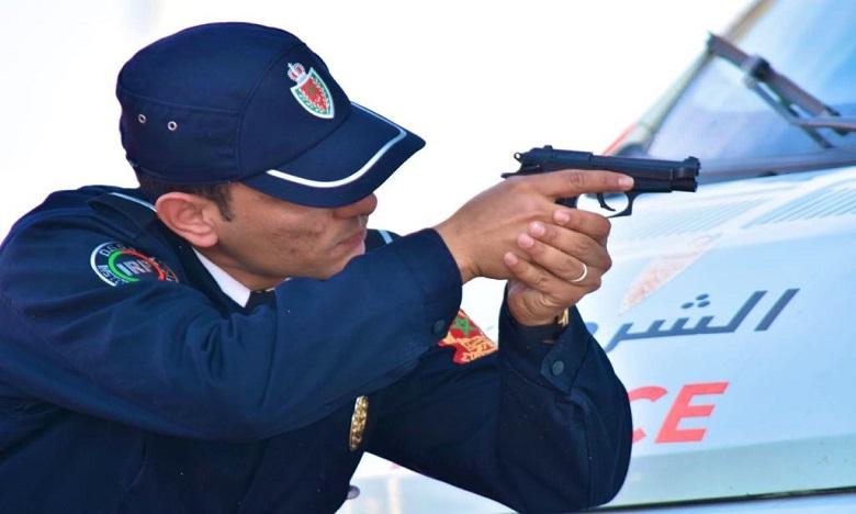 الأمن يشهر سلاحه في وجه شخصين بتمارة عرضا سلامة المواطنين للخطر