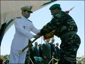 S.M. le Roi Mohammed VI au contingent des FAR en partance pour la Côte-d'Ivoire : soyez les dignes dépositaires de nos hautes traditions militaires