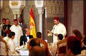 Lors du dîner officiel S.M. Mohammed VI et S.M. Juan Carlos exaltent la convergence maroco-espagnole