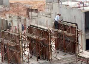 Les grands travaux de Taoufik Hjira : 2005, l'année de la production des 100.000 logements
